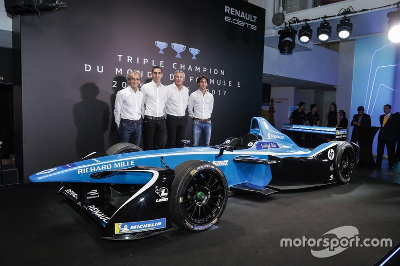 Sebastien Buemi y Nicolas Prost, Renault eDAMS con Alain Prost y Jean-Paul Driot