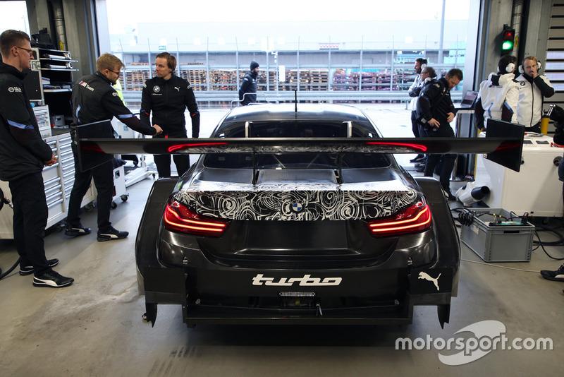 Бруно Спенглер тестує BMW M4 DTM з дволітровим двигуном
