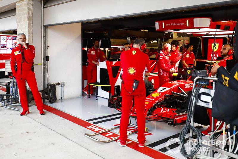 Керівник Ferrari Мауріціо Аррівабене, Кімі Райкконен, Ferrari SF71H