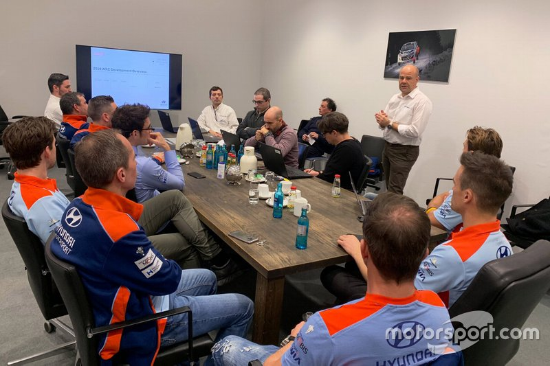 Hyundai Motorsport drivers meeting