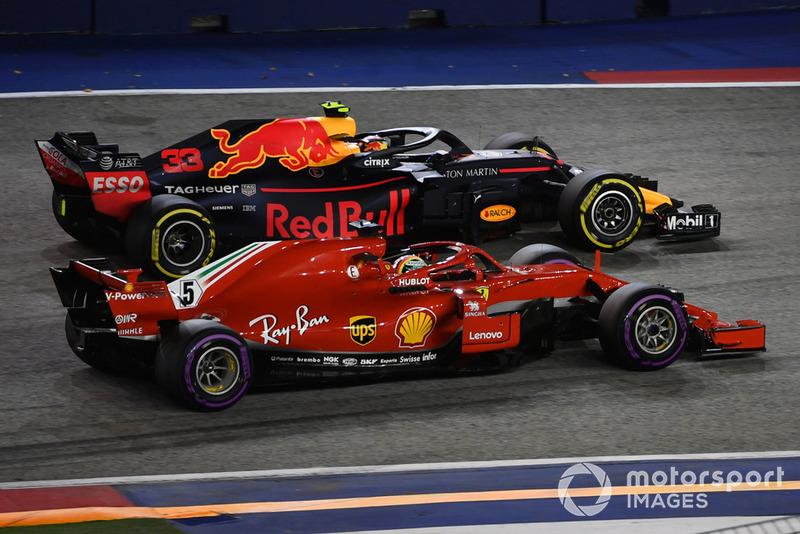 Verstappen tras superar a Vettel en el pitstop