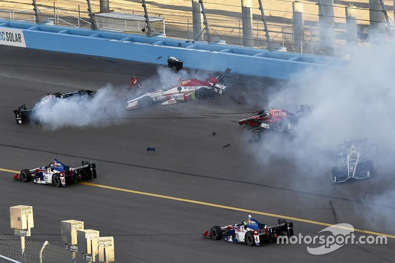 https://cdn-4.motorsport.com/images/mgl/YN349qa6/s8/indycar-phoenix-2017-mikhail-aleshin-schmidt-peterson-motorsports-honda-crash.jpg