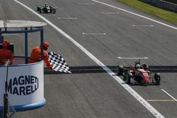 Sieg für Callum Ilott, Prema Powerteam, Dallara F317 - Mercedes-Benz