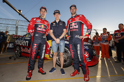 Max Verstappen, Red Bull Racing, Jamie Whincup, Triple Eight Race Engineering Holden, Shane van Gisb