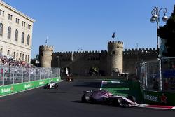 Естебан Окон, Sahara Force India F1 VJM10, Ленс Стролл, Williams FW40