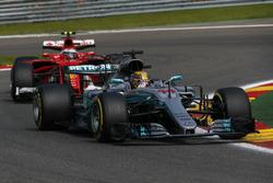 Lewis Hamilton, Mercedes-Benz F1 W08  and Sebastian Vettel, Ferrari SF70H