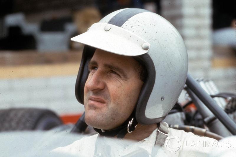 Denny Hulme: 112 corridas, 8 vitórias, 33 pódios, 1 pole e o título mundial de 1967. Ele competiu na F1 entre 1965 e 1974.