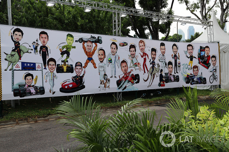 Рисунок на стене на Гран При Сингапура