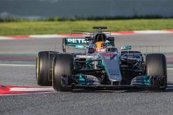 Lewis Hamilton, Mercedes AMG F1 W08 running sensor equipment