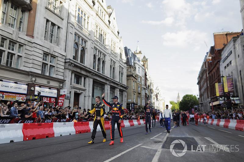 Ніко Хюлькенберг (Renault) і Макс Ферстаппен (Red Bull)