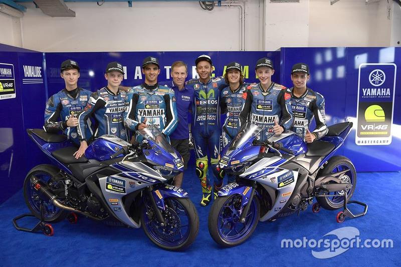 Валентино Россі, Movistar Yamaha MotoGP, Керуючий директор Yamaha Motor Racing Лін Джарвіс та учасники четвертого Yamaha VR46 Master Camp