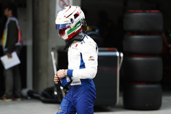 Antonio Giovinazzi, Sauber, geht in die Box zurück