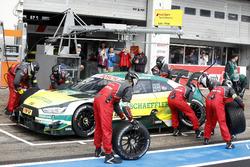 Boxenstopp: Mike Rockenfeller, Audi Sport Team Phoenix, Audi RS 5 DTM