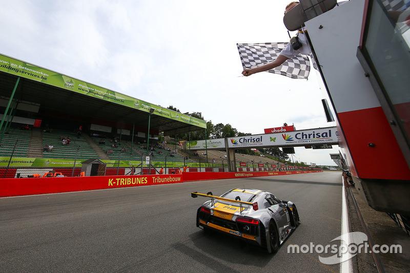 Ganadores #17 Team WRT Audi R8 LMS: Stuart Leonard, Robin Frijns