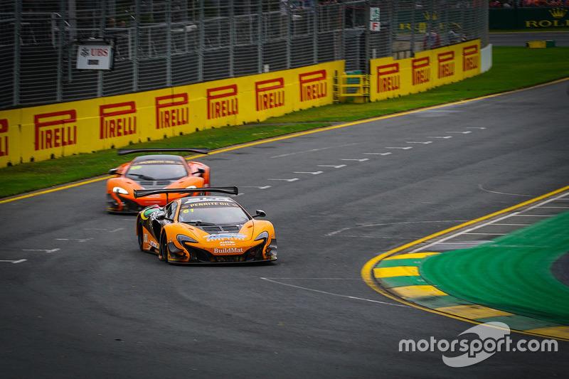 #61 SLR TEKNO Autosport, McLaren 650S GT3: Nathan Antunes, Elliot Barbour