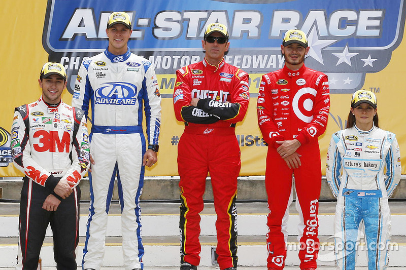 Pilotos avanzan para la carrera All-Star: Chase Elliott, Hendrick Motorsports Chevrolet, Trevor Bayne, Roush Fenway Racing Ford, Greg Biffle, Roush Fenway Racing Ford, Kyle Larson, Chip Ganassi Racing Chevrolet,