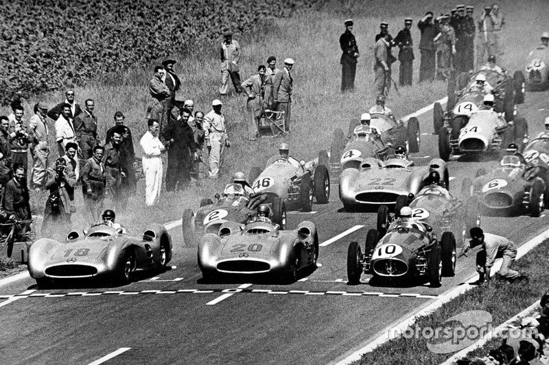 Juan Manuel Fangio en Karl Kling, Mercedes-Benz W 196 R
