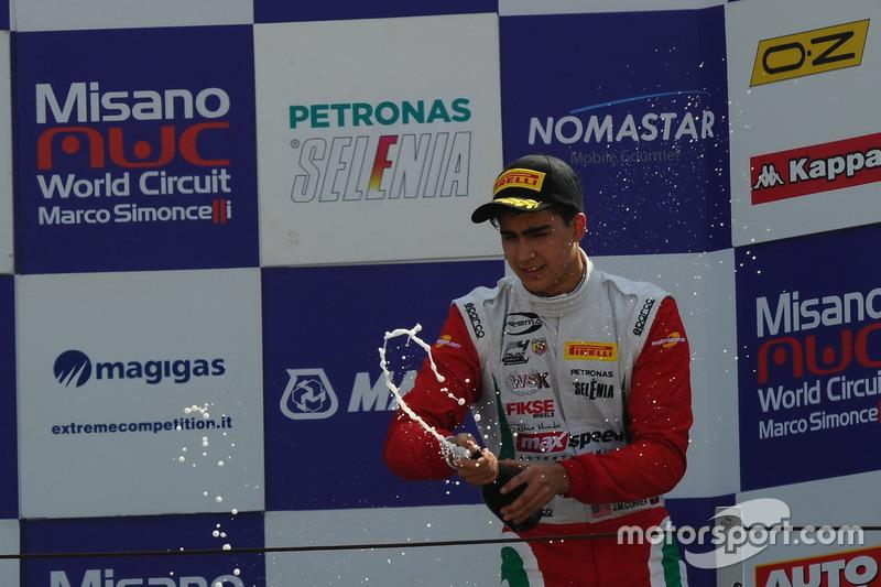 Juan Manuel Correa, Prema Powerteam, festeggia sul podio