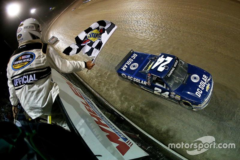 Zieldurchfahrt: Kyle Larson, GMS Racing, Chevrolet