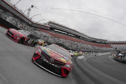 Kyle Busch, Joe Gibbs Racing, Toyota Camry Skittles, Kurt Busch, Stewart-Haas Racing, Ford Fusion Haas Automation/Monster Energy