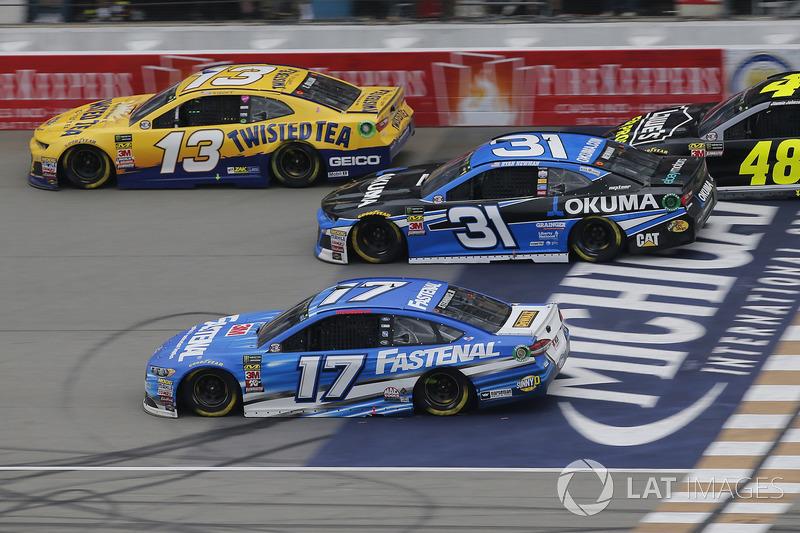 Ricky Stenhouse Jr., Roush Fenway Racing, Ford Fusion Fastenal Ryan Newman, Richard Childress Racing