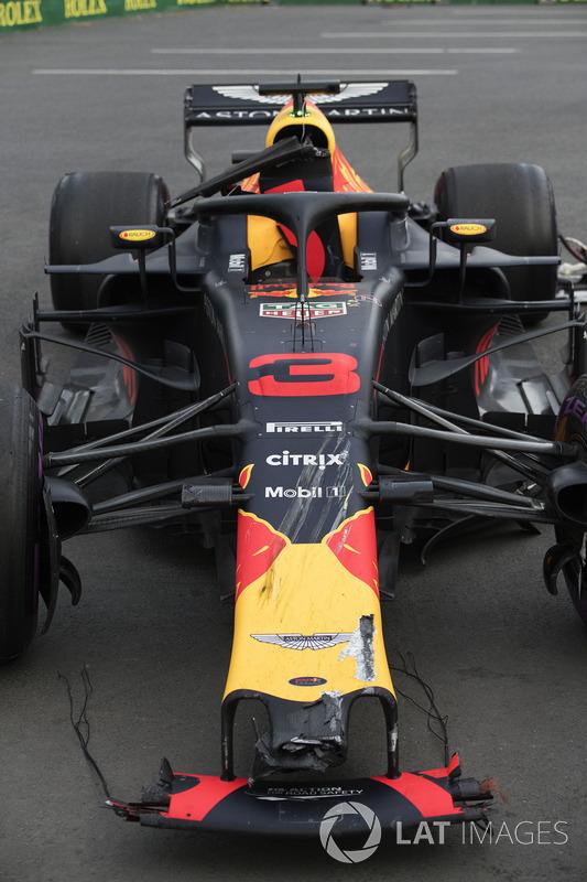 The damaged car of Daniel Ricciardo, Red Bull Racing