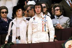 Podyum: Yarış galibi Jackie Stewart, Tyrrell, ve eşi Helen