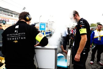DS Techeetah engineers work to keep the cars cool on the grid