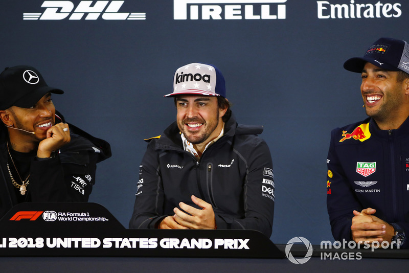 Lewis Hamilton, Mercedes AMG F1, Fernando Alonso, McLaren, and Daniel Ricciardo, Red Bull Racing