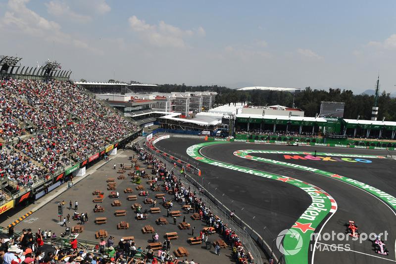 Естебан Окон, Racing Point Force India VJM11, Кімі Райкконен, Ferrari SF71H
