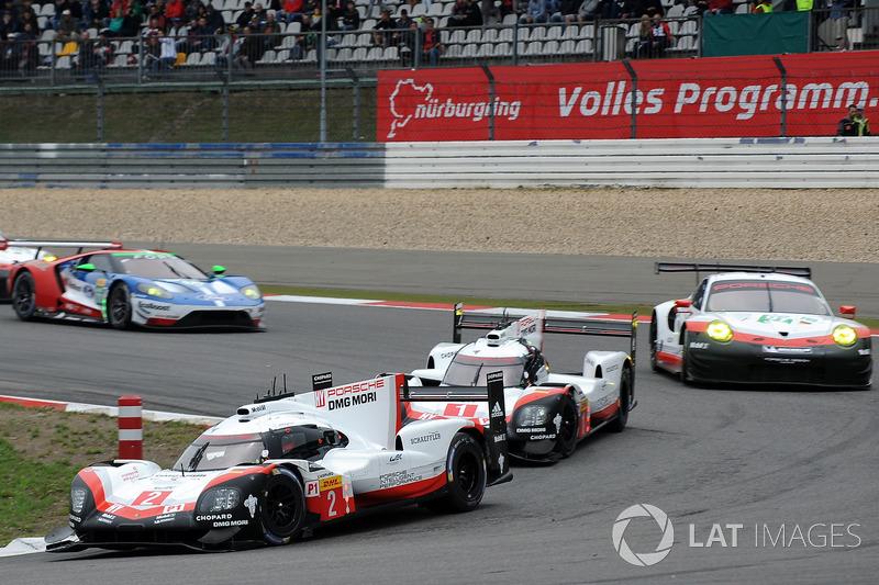 #2 Porsche Team Porsche 919 Hybrid: Тімо Бернхард, Ерл Бамбер, Брендон Хартлі
