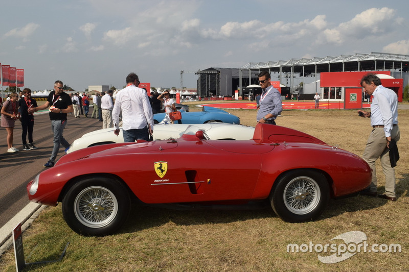 Історичний Ferrari виставлений на Фіорано