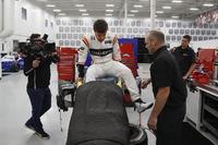 Sitzanpassung bei Fernando Alonso