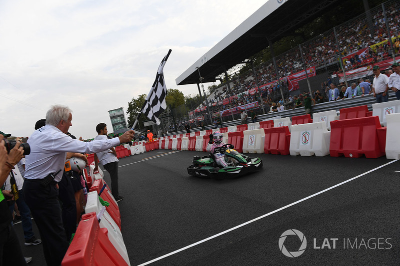 Sergio Perez, Sahara Force India takes the chequered flag