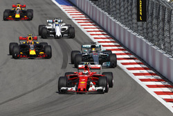 Kimi Raikkonen, Ferrari SF70H, Lewis Hamilton, Mercedes AMG F1 W08, Max Verstappen, Red Bull Racing RB13, Felipe Massa, Williams FW40, Daniel Ricciardo, Red Bull Racing RB13