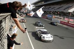 Race winner #911 Herberth Motorsport Porsche 991 GT3 R: Daniel Allemann, Ralf Bohn, Robert Renauer, Alfred Renauer, Brendon Hartley