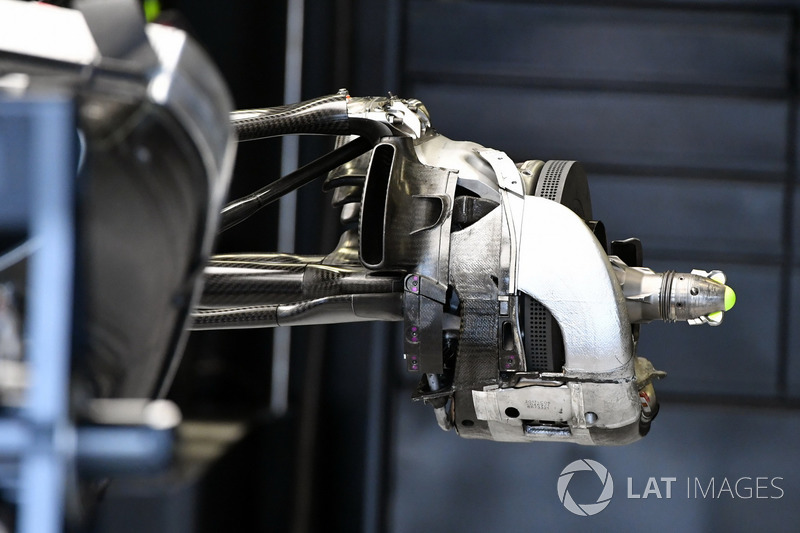 Mercedes-Benz F1 W08  achterwielophanging