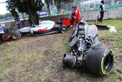 The McLaren MP4-31 of Fernando Alonso, McLaren and the Haas VF-16 of Esteban Gutierrez, Haas F1 Team after their race stopping crash