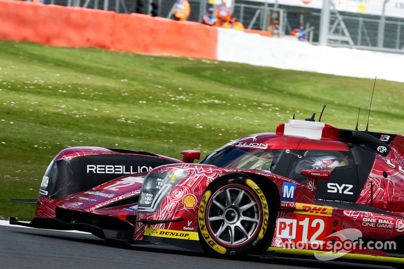 Nelsinho Piquet em ação com o #12 da Rebellion nas 6 Horas de Silverstone
