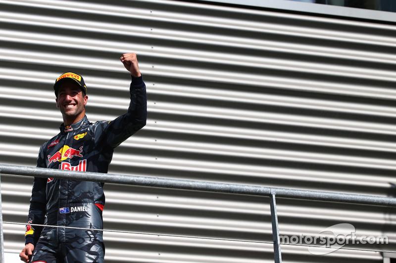 Podyum: 2. Daniel Ricciardo, Red Bull Racing RB12