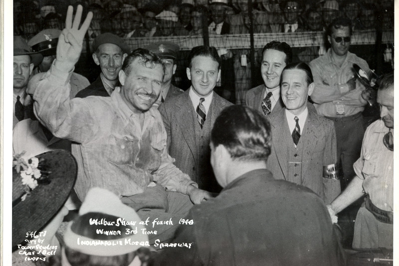 1940 - Wilbur Shaw entrou para o rol de tricampeões