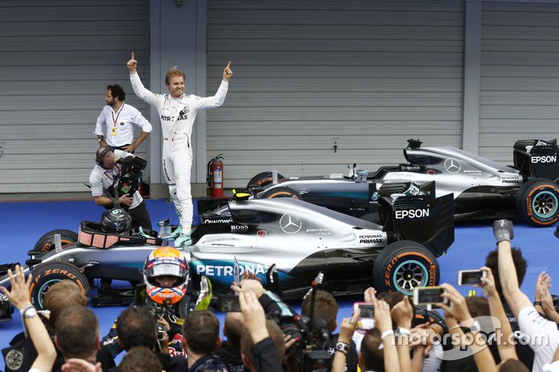 Ganador, Nico Rosberg, Mercedes AMG F1 W07 en Japón 2016