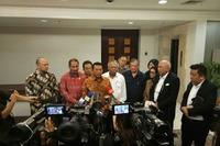 Kepala Staf Kepresidenan (KSP), Moeldoko; Menteri Pariwisata, Arief Yahya; Direktur Sentul, Tinton Soeprapto dan Manajer Sirkuit Sentul, Ananda Mikola