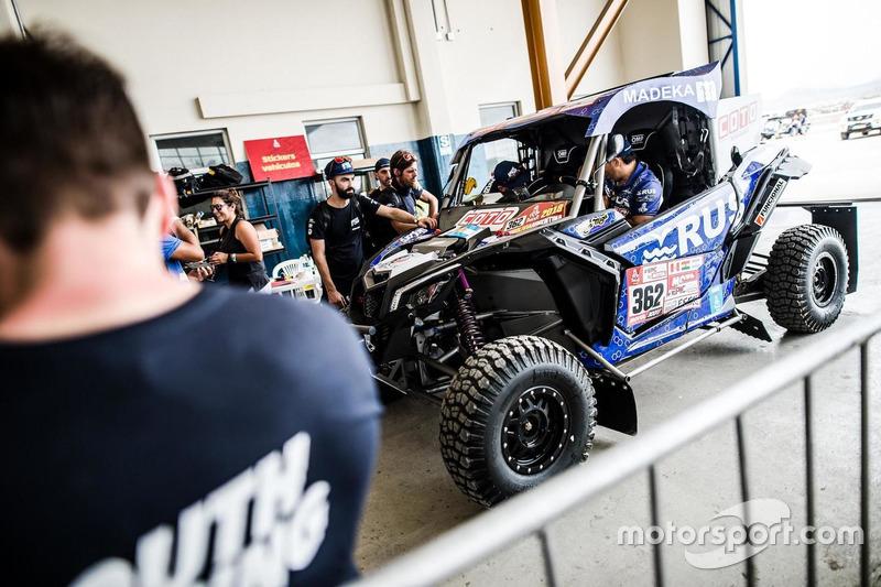 #362 South Racing Can-Am Team: Leonel Larrauri, Fernando Imperatrice