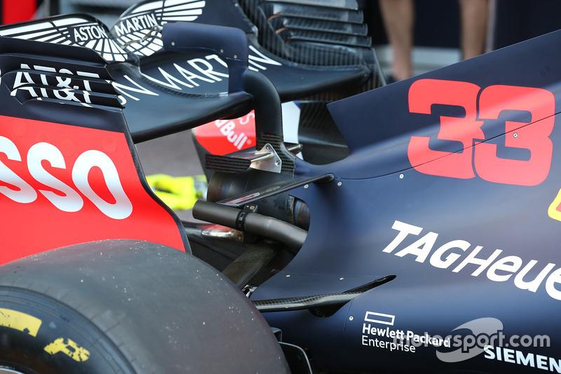 Red Bull Racing RB14 arka detay