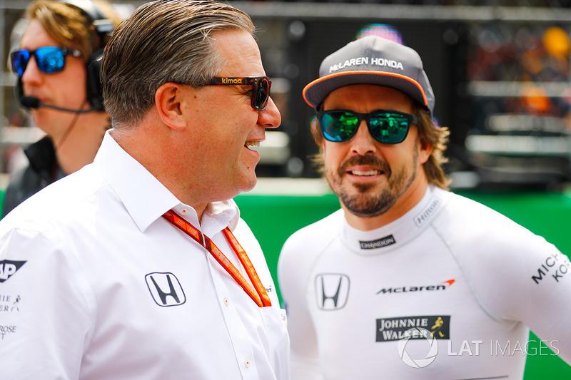 Zak Brown, director ejecutivo de McLaren Technology Group, Fernando Alonso, McLaren