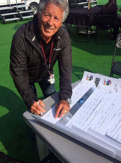 Mario Andretti, Andretti Autosport Honda firma cartel de Justin Wilson