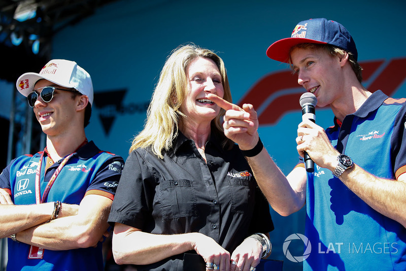 Pierre Gasly, Toro Rosso, and Brendon Hartley, Toro Rosso, on stage with Louise Goodman