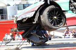 El coche de Nico Müller, Audi Sport Team Abt Sportsline, Audi RS 5 DTM tras el accidente