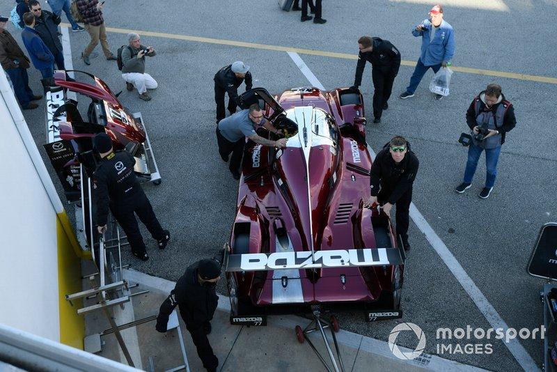 #77 Mazda Team Joest Mazda DPi, DPi: Олівер Джарвіс, Трістан Нуньєс, Тімо Бернхард, Рене Раст